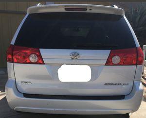 2008 white Toyota Sienna minivan leather interior 160 miles for Sale in San Diego, CA