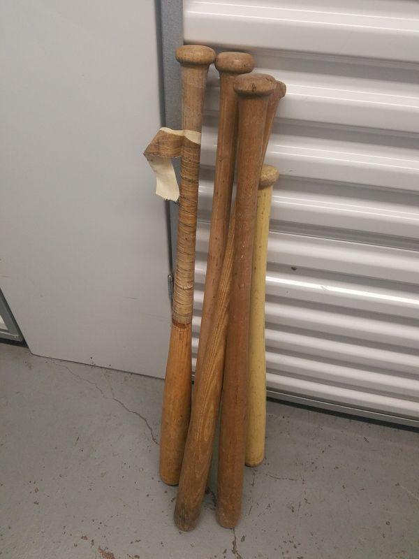 Lot of wooden bats * Includes Mariners Bats
