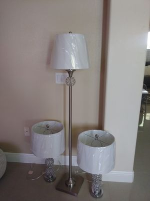 3 pcs Floor Light and Table Lamp Set.Like New!! for Sale in Kissimmee, FL