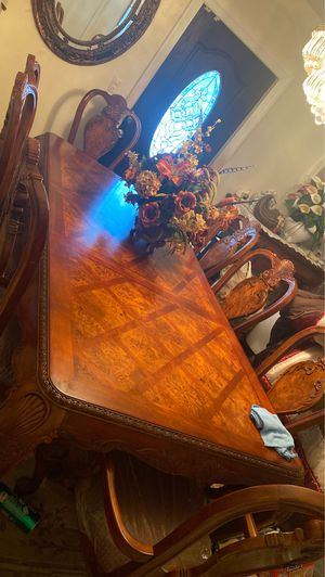 Dining room table for Sale in North Miami, FL