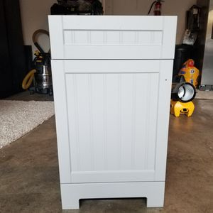 Cabinet and Sink for Sale in Kirkland, WA