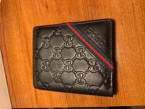Gucci wallet for Sale in Waipahu, HI