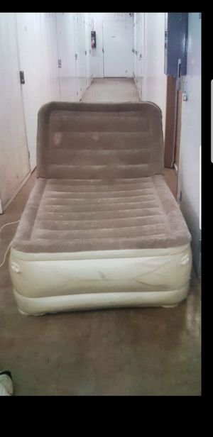 Reclining air mattress twin size for Sale in Pasadena, CA
