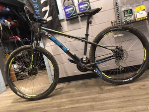 GT AGGRESSOR PRO MOUNTAIN BIKE for Sale in Chevy Chase, MD