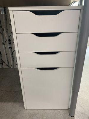 File Cabinet w/3 drawers for Sale in Golden, CO