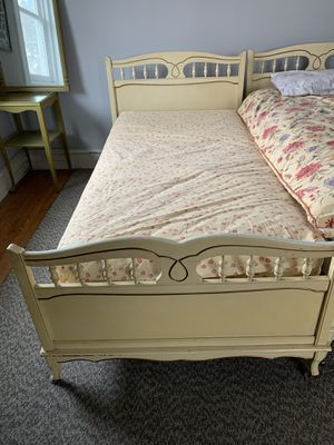 Two twin beds with boxes and mattresses for Sale in Wyncote, PA