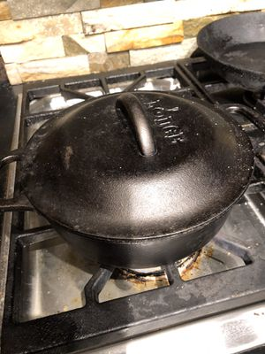Lodge 2 Quart Cast Iron Dutch Oven with lid for Sale in Suffolk, VA