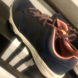 Adidas -women $40 Size 8 for Sale in Upper Marlboro, MD