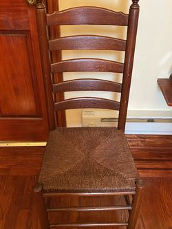 Brown Wooden Chair for Sale in Queens,  NY