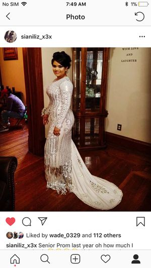 Prom dress renting for Sale in Philadelphia, PA