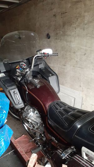 1982 silver wing motorcycle for Sale in Columbus, OH