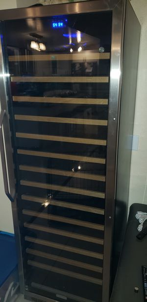 Edgestar 166 bottle wine cooler for Sale in Miami, FL