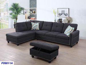Charcoal sectional with ottoman in Nailhead design( new) for Sale in Hayward, CA