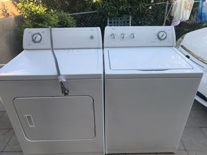 Whirlpool washer and electric dryer for Sale in Tempe, AZ