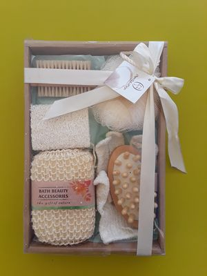 Bath beauty accesories, brand new. for Sale in Riverside, CA