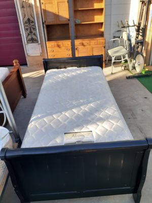 Black Twin Bed for Sale in Chula Vista, CA