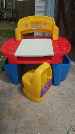 Kids play desk and activity center for Sale in Galveston, TX
