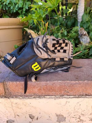 Wilson A360 A03RB15 125 Baseball Glove for Sale in Glendale, AZ