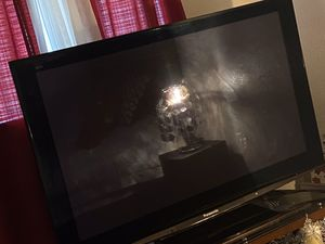 "Panasonic tv ""50 inches comes with remote for Sale in Austin, TX"