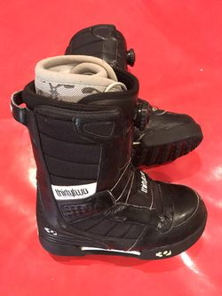 ThirtyTwo Women's Snowboard Boots Size 7 - obo for Sale in Mission Viejo,  CA