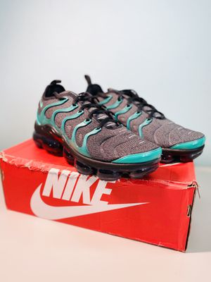 Nike Air Vapormax Plus Emerald Green 'Eagles' Size 10.5 for Sale in Hacienda Heights, CA