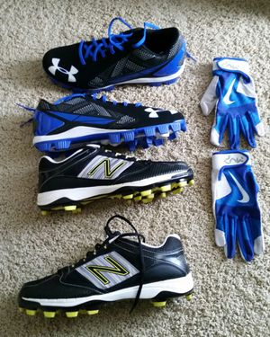 New Balance and Under Armour Baseball Cleats, Nike Batting Gloves. for Sale in Houston, TX