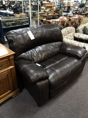 Electric recliner for Sale in Midway Park, NC