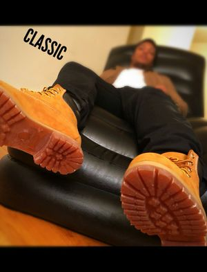 GUCCI/NIKE/SHOE/ADDIDAS/BOOTS/TIMBERLANDS/JORDANS/PUMA /SUPREME for Sale in Chicago, IL