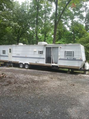 2003 Innsbruck 34 ft camper for Sale in Madison Heights, VA