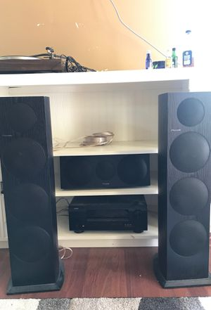 Pioneer speakers and denon receiver for Sale in Tacoma, WA