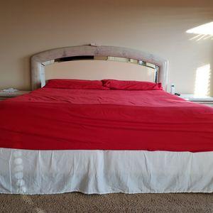 5 Pieces Bedroom Set for Sale in Renton, WA