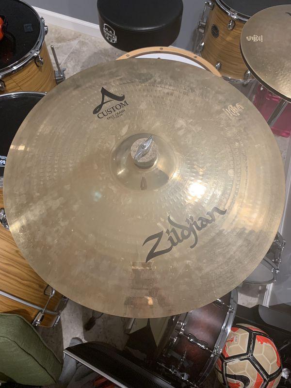 "Zildjian A custom Crash 17"""