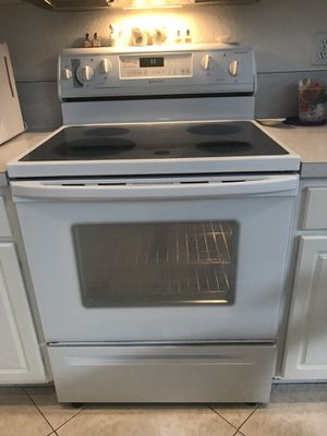 Whirlpool Stove Oven Range, Dishwasher & Microwave for Sale in Pompano Beach, FL