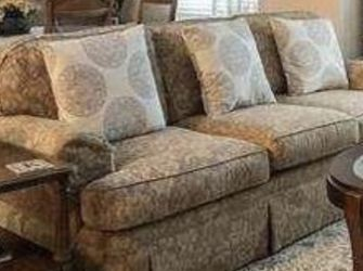 Couch/Loveseat set for Sale in Westbury,  NY