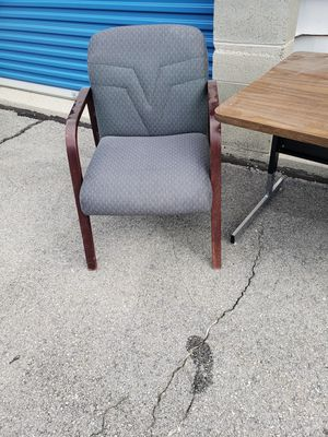 Office table and chair for Sale in Bluffdale, UT