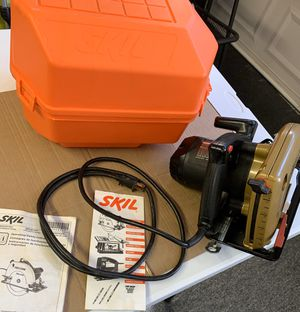 """7 1/4 inch Circular Saw """" SKILSAW """" with case for Sale in Ripon, CA"""