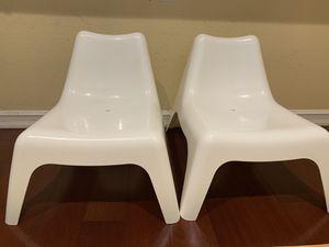 White plastic chairs for Sale in Santa Clara, CA