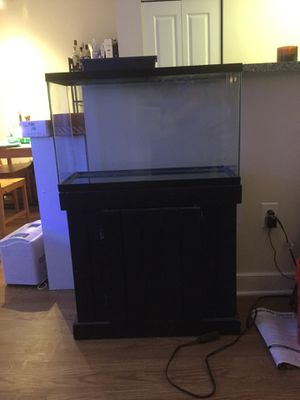 29 Gallon Aquarium with stand for Sale in Washington, DC