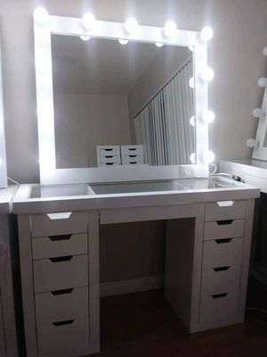 VANITY AND MIRROR HOLLYWOOD for Sale in City of Industry, CA