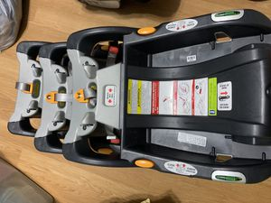 Baby Chico Keyfit30 car seat & 4 bases for Sale in West Warwick, RI