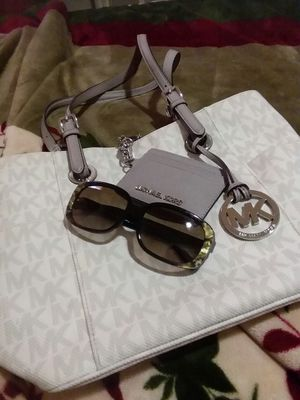 New Michael Kors purse n sunglasses are extra if u want both make me an offer for Sale in Salinas, CA