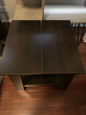 Wood End Table for Sale in Chicago, IL