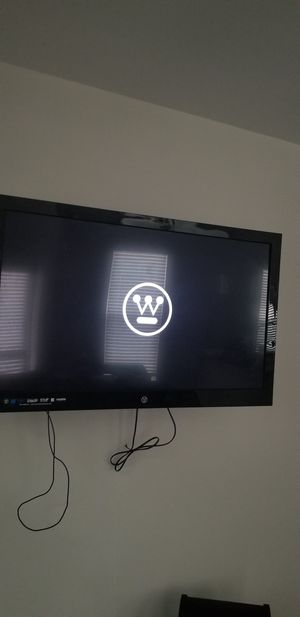 Westinghouse 46 inch tv + Swivel Wall Mount for Sale in Cary, NC