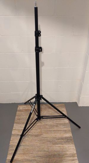 PBL LIGHT STAND 10FT SPRING CUSHIONED HEAVY DUTY, Code 8116 for Sale in Greenville, SC