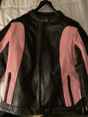 Size small woman's leather motorcycle jacket for Sale in Winter Springs, FL