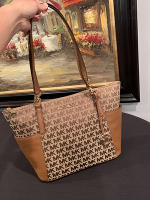 BWT MK Women's Bedford Large Tote Bag for Sale in Downers Grove, IL