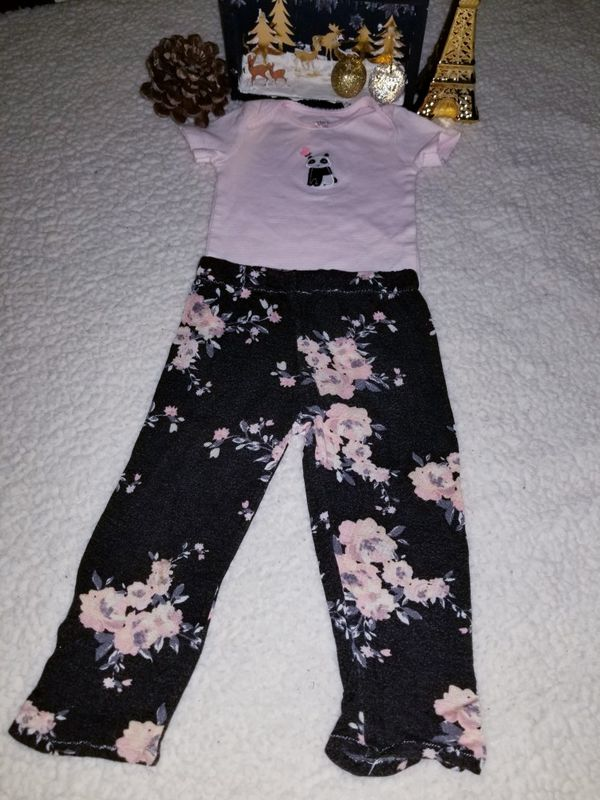 🐼🌸 Carter's size 9 months in good condition 🌸🐼