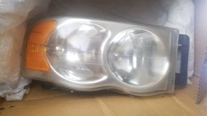 03 dodge ram passenger headlight for Sale in Tampa, FL