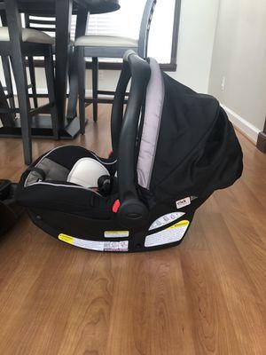Graco Snugride 35 infant car seat for Sale in Jupiter, FL