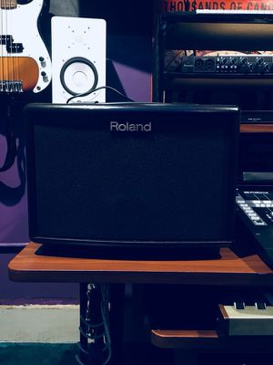 Roland AC-33 — Portable Amp for Sale in Chelsea, MA